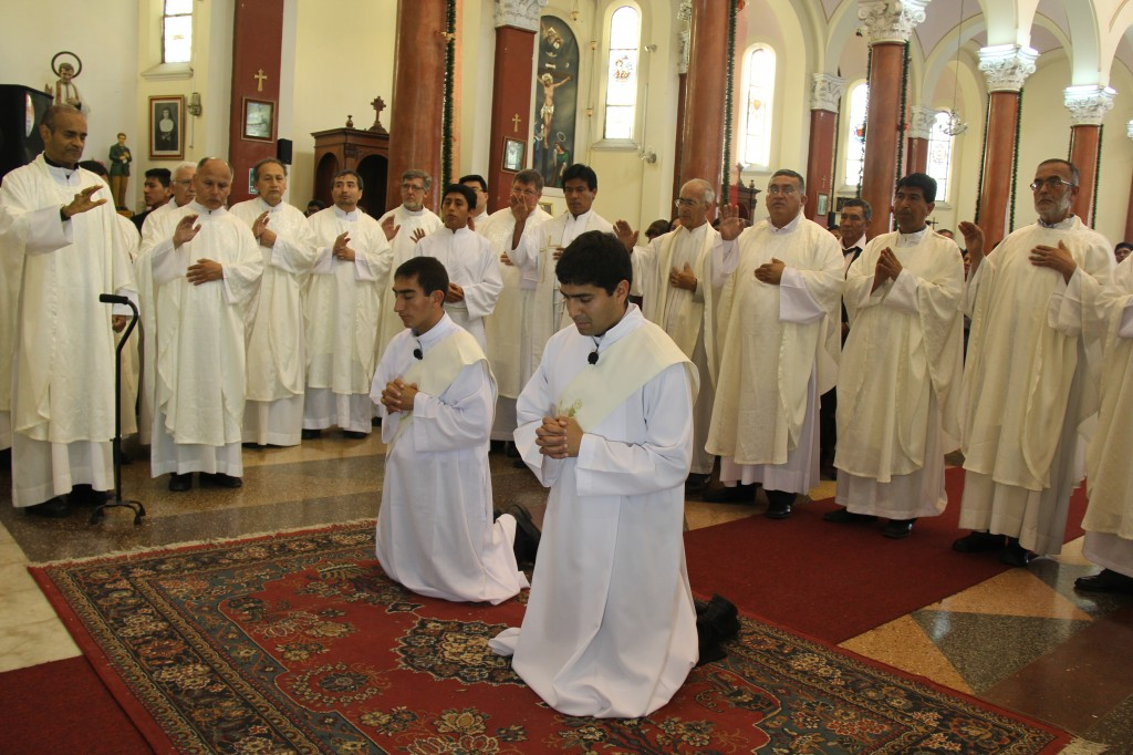 Se ordenan dos nuevos sacerdotes salesianos para la Iglesia Peruana