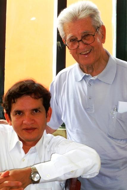 P. José Antonio Pachas sdb acompañado con el P. Casimiro Iraola sdb.